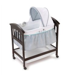 Summer Infant Classic Comfort Wood Bassinet in Turtle Tales